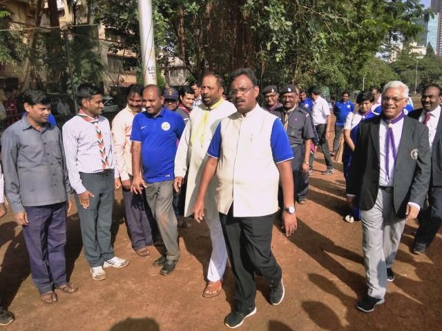 Shri Vinod Tawde visits pavillion